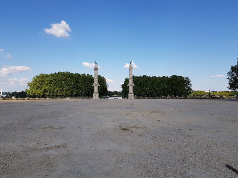 les secrets des colonnes rostrales de bordeaux