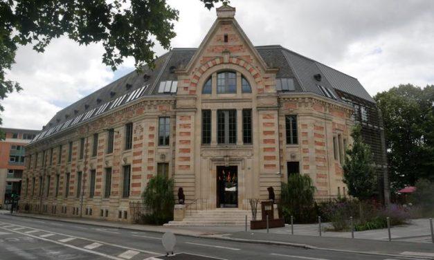 Hôtel «la zoologie» – De l'université à l'hôtel de luxe