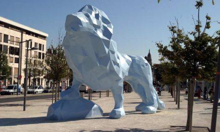 LA PLACE STALINGRAD & LE LION DE VEILHAN